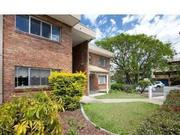 UNIT AVAILABLE IN WOOLLOONGABBA
