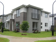 Near New 3 Bed Townhouse in a Convenient Location-Big Master Bed!
